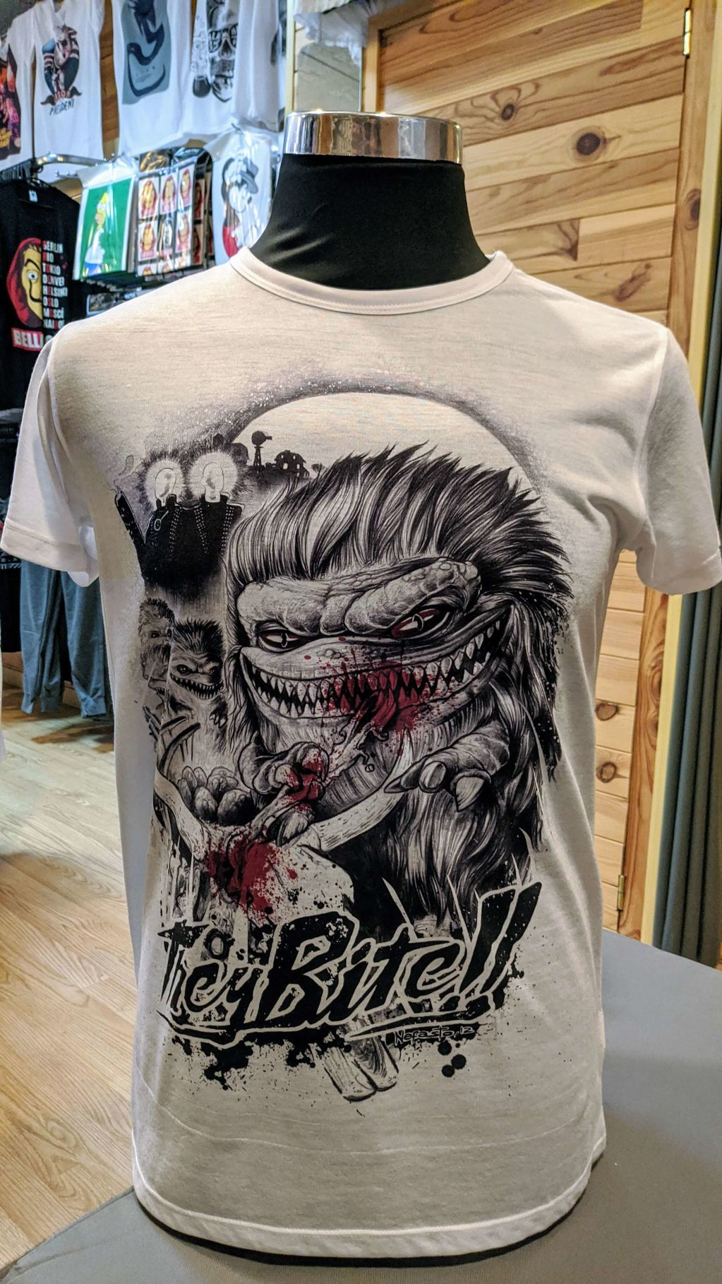 They bite!! - a3707-camiseta-critters.jpg